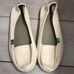 Sanuk sidewalk sandals size 9